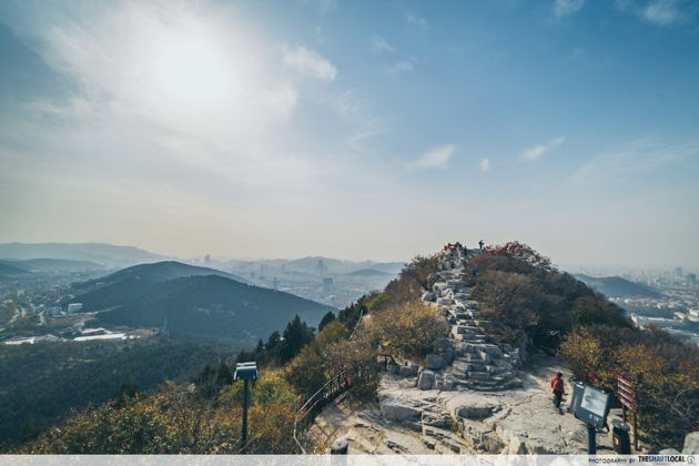 Best scenery in Jinan China 1000 Buddha Mountain Qian fo shan