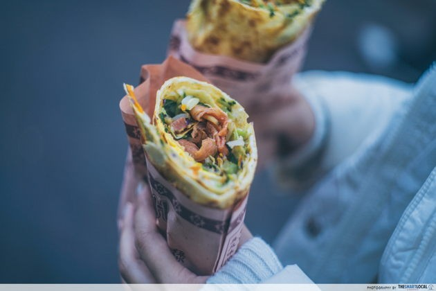Things to eat in Jinan China Kuanhouli crispy fried vegetable pancake