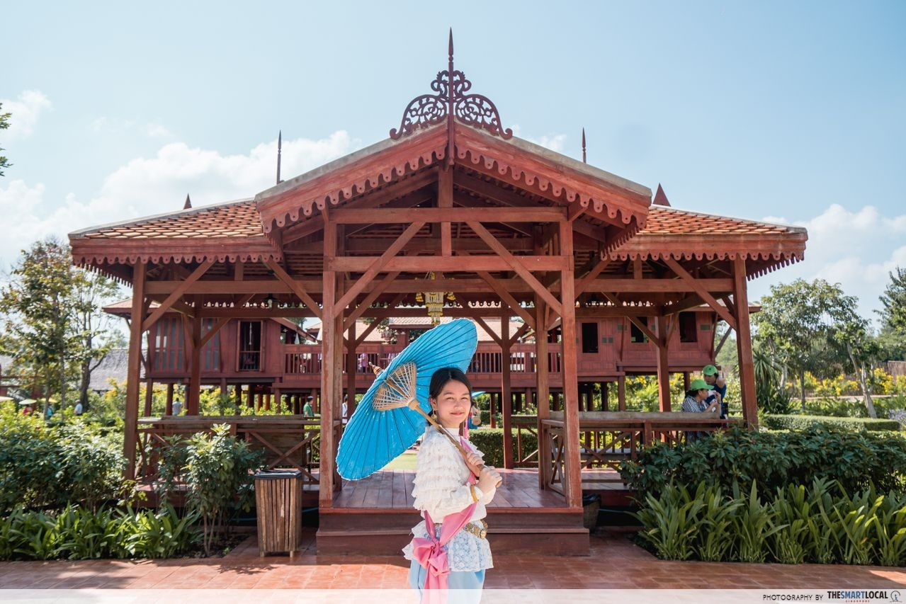 dress up in traditional Thai costumes at Mallika R.E.124 Village