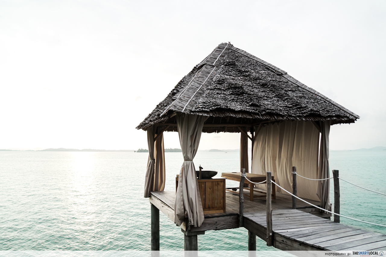 Telunas Resorts (4) - Overwater spa