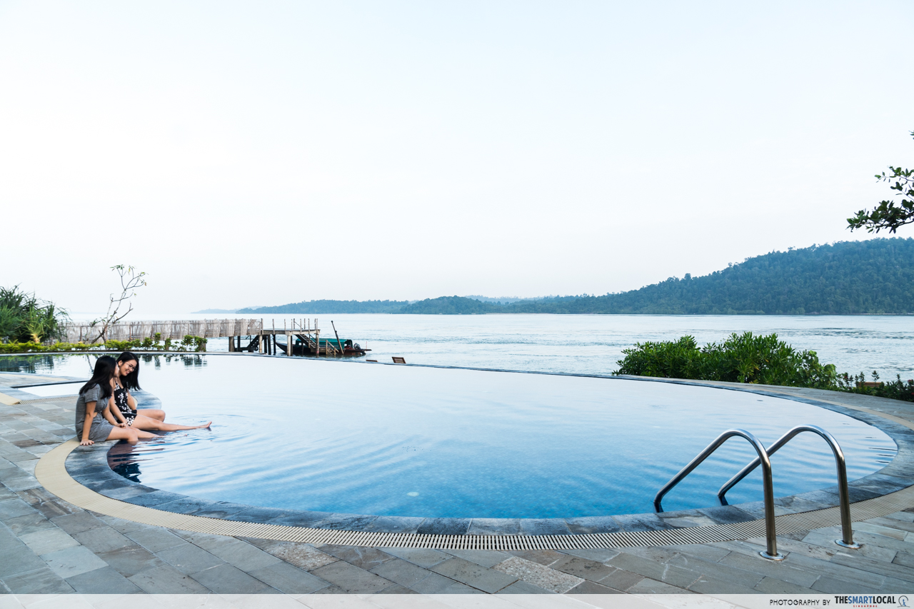 Telunas Resorts (8) - Infinity pool