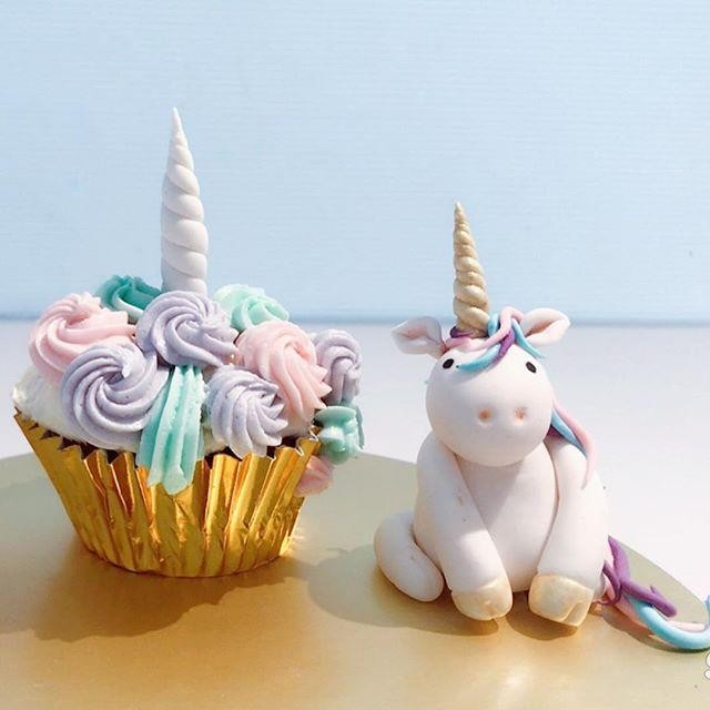 obscure cafes - unicorn cupcake