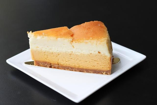 obscure cafes - salted caramel cheesecake
