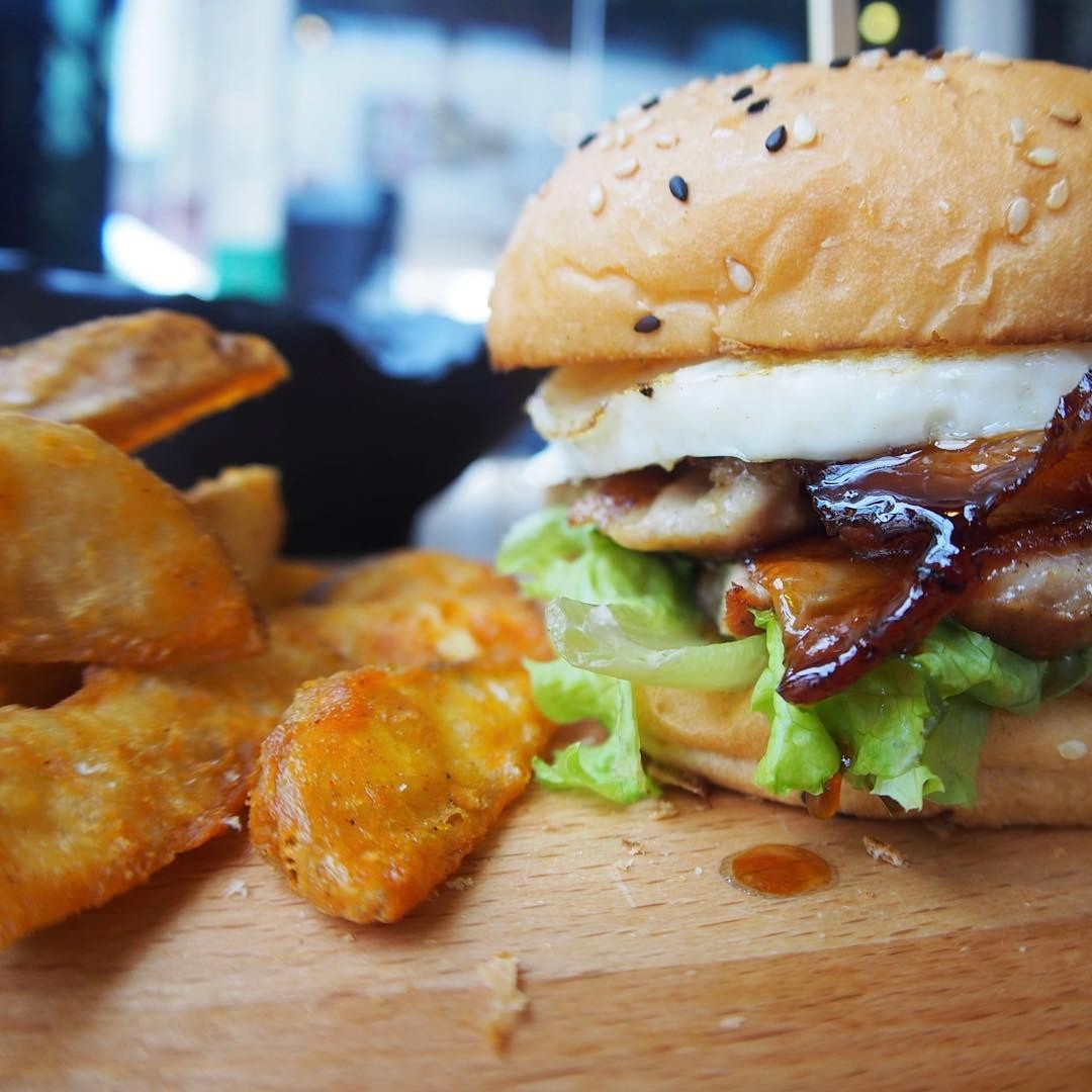 obscure cafes - chicken teriyaki burger