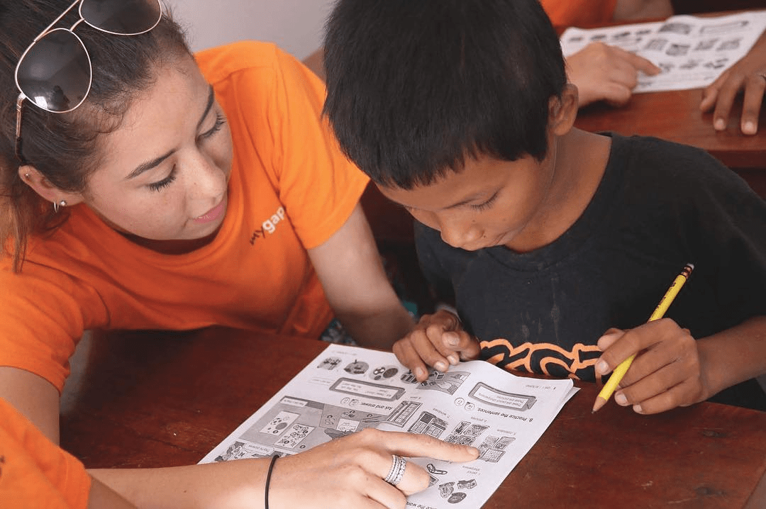 gap year students teaching children English