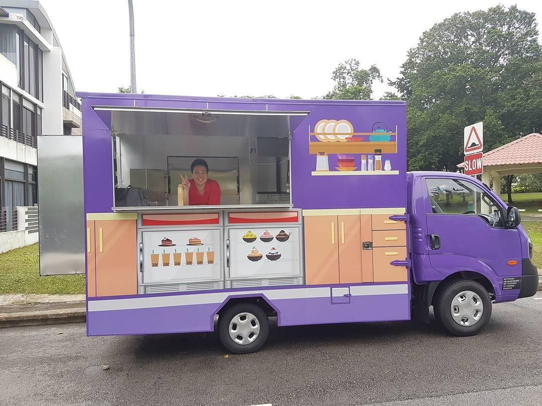 NUS career fest - food truck