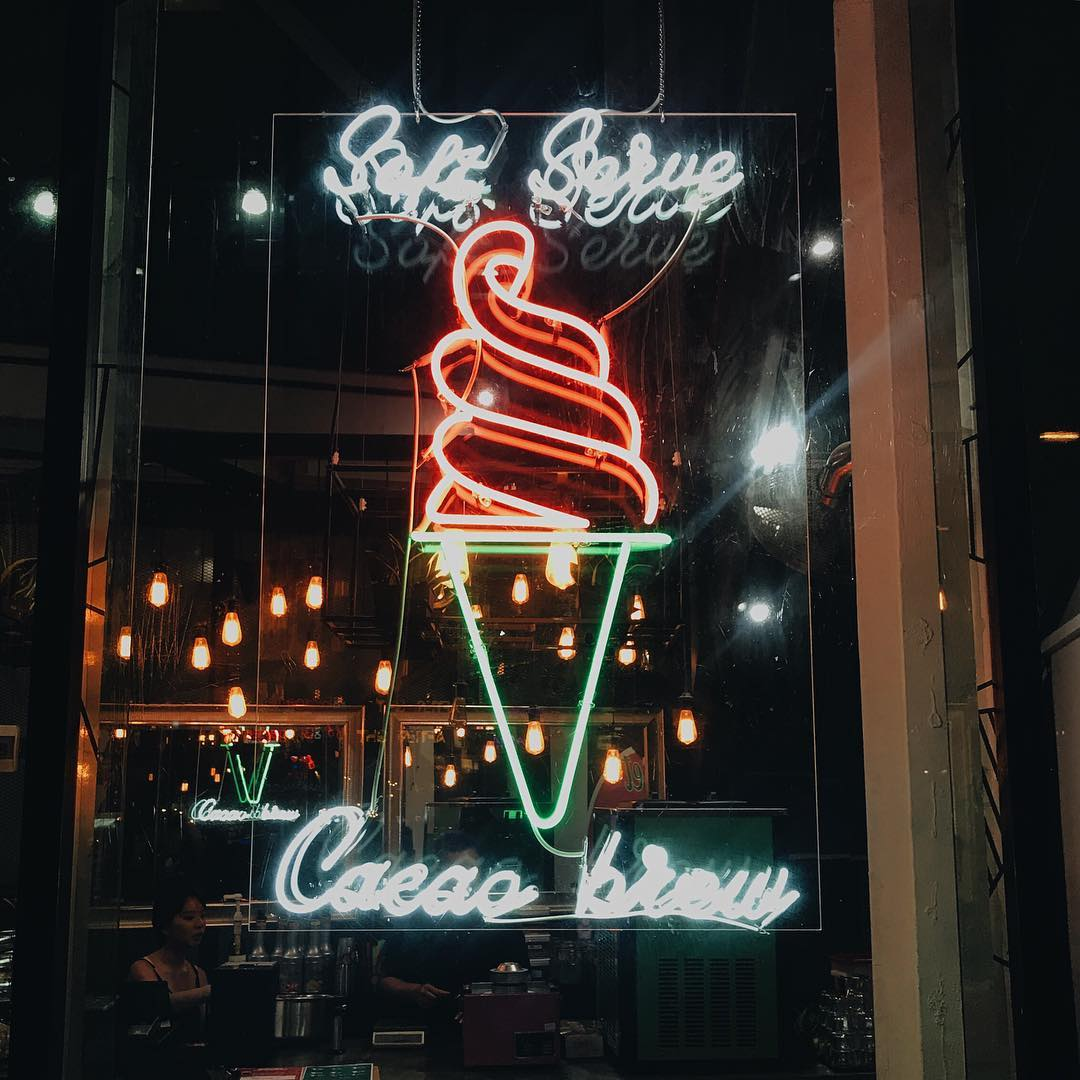 Feb 2018 cafes and restaurants (2) - Sweet Mary's neon ice-cream window
