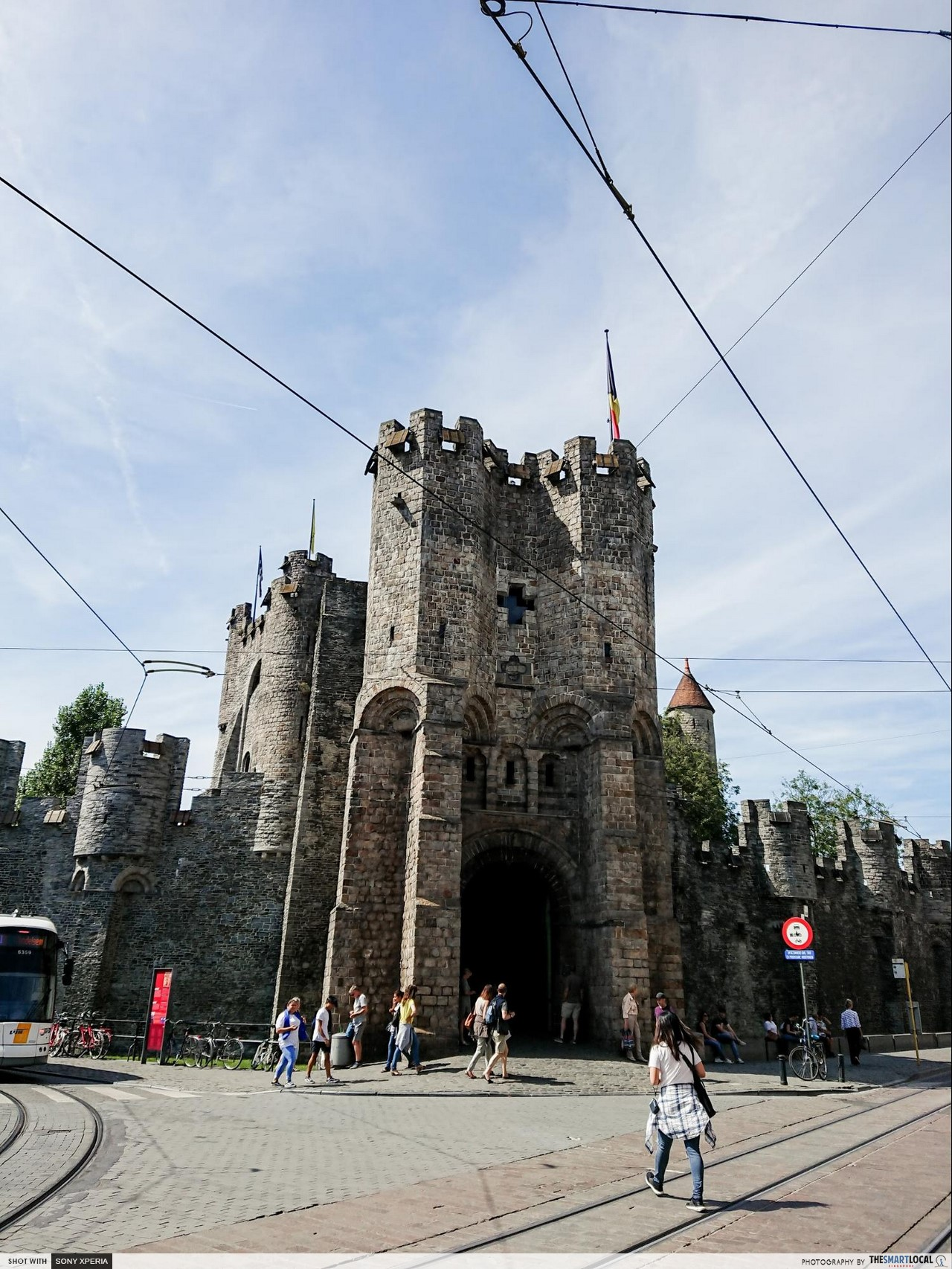 Brussels 7 things (13) - Gravensteen Castle front