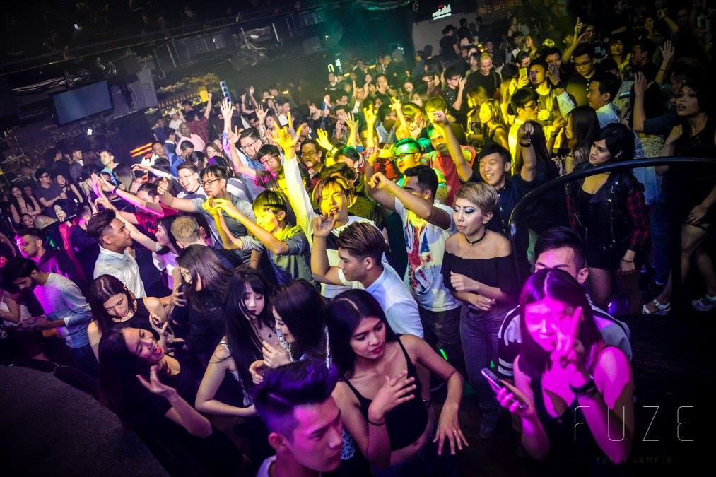 KL nightclubs (13) - Fuze Club crowd