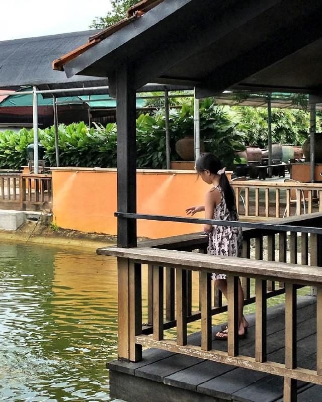 9 Restaurants & Cafes On Singapore's Furthest Edges To