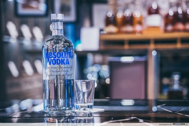 iShopChangi Absolut Vodka Blue (1L)