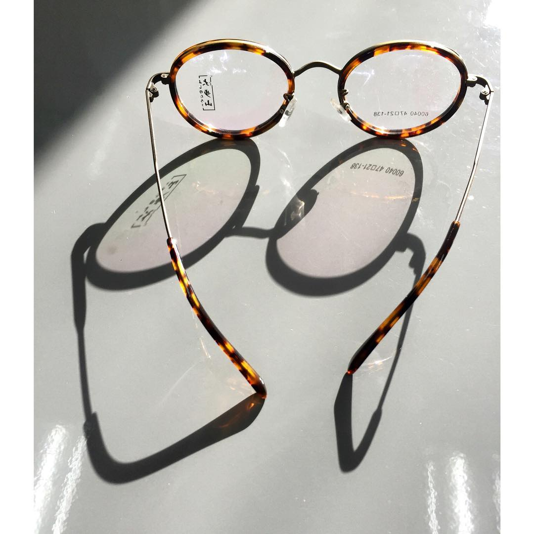 eyecon optical tortoiseshell frame glasses