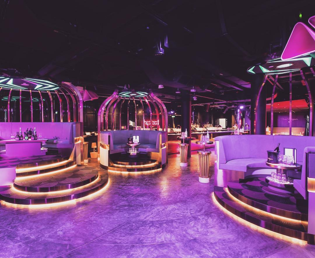 AVRY-birdcage-shaped-VIP-booths