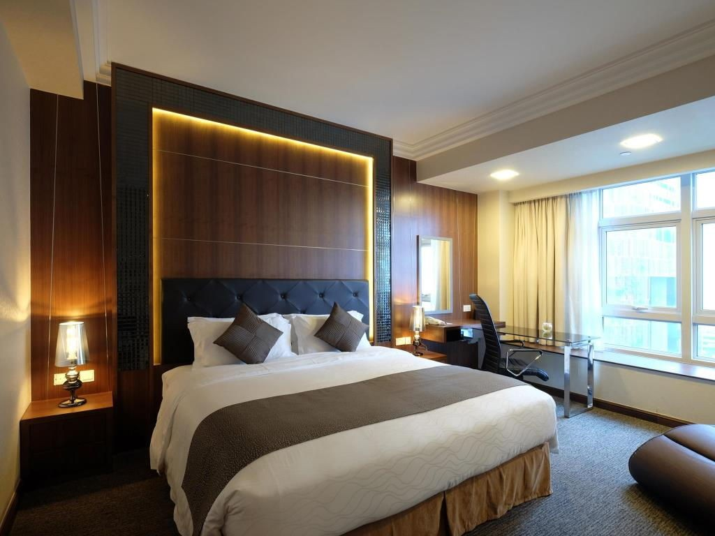 Hotels near clubs - orchid hotel room