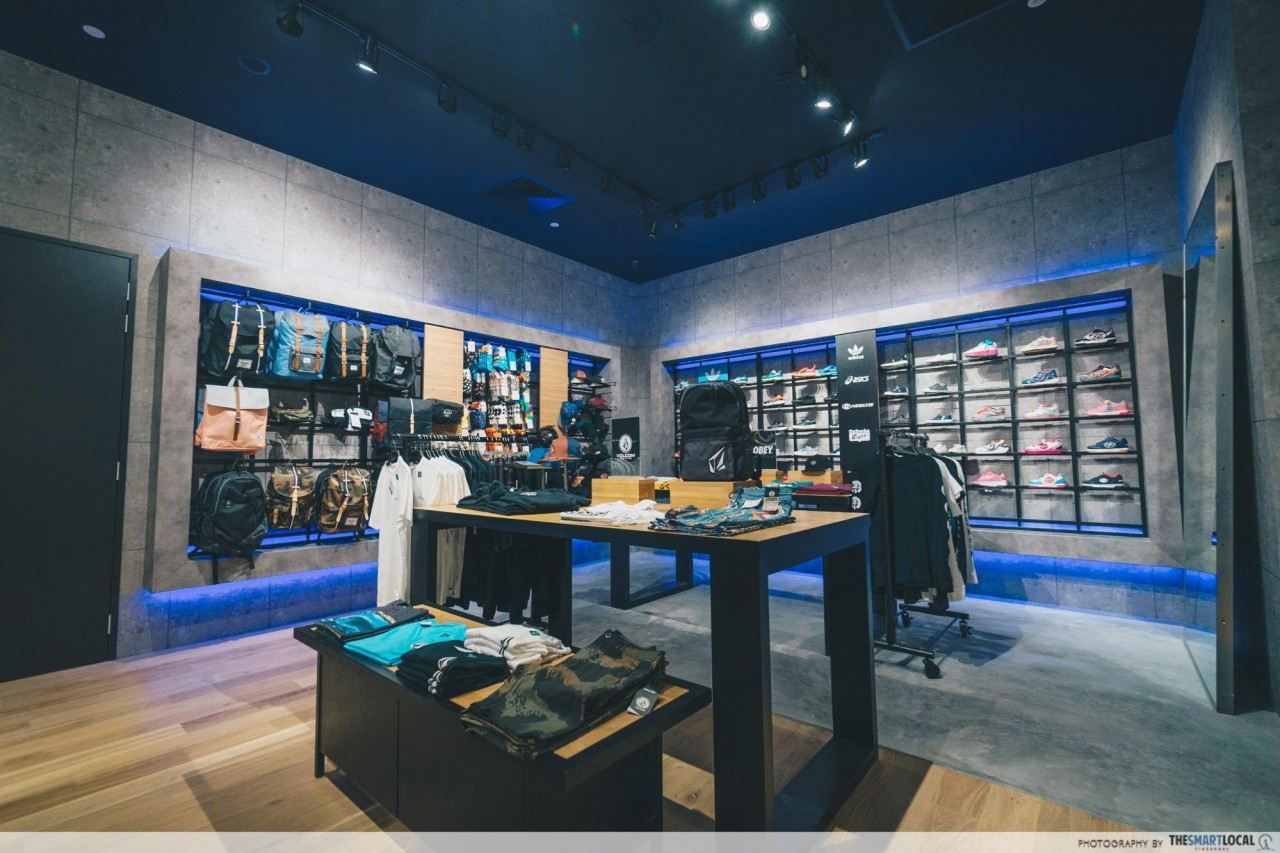 STAR 360 flagship store interior