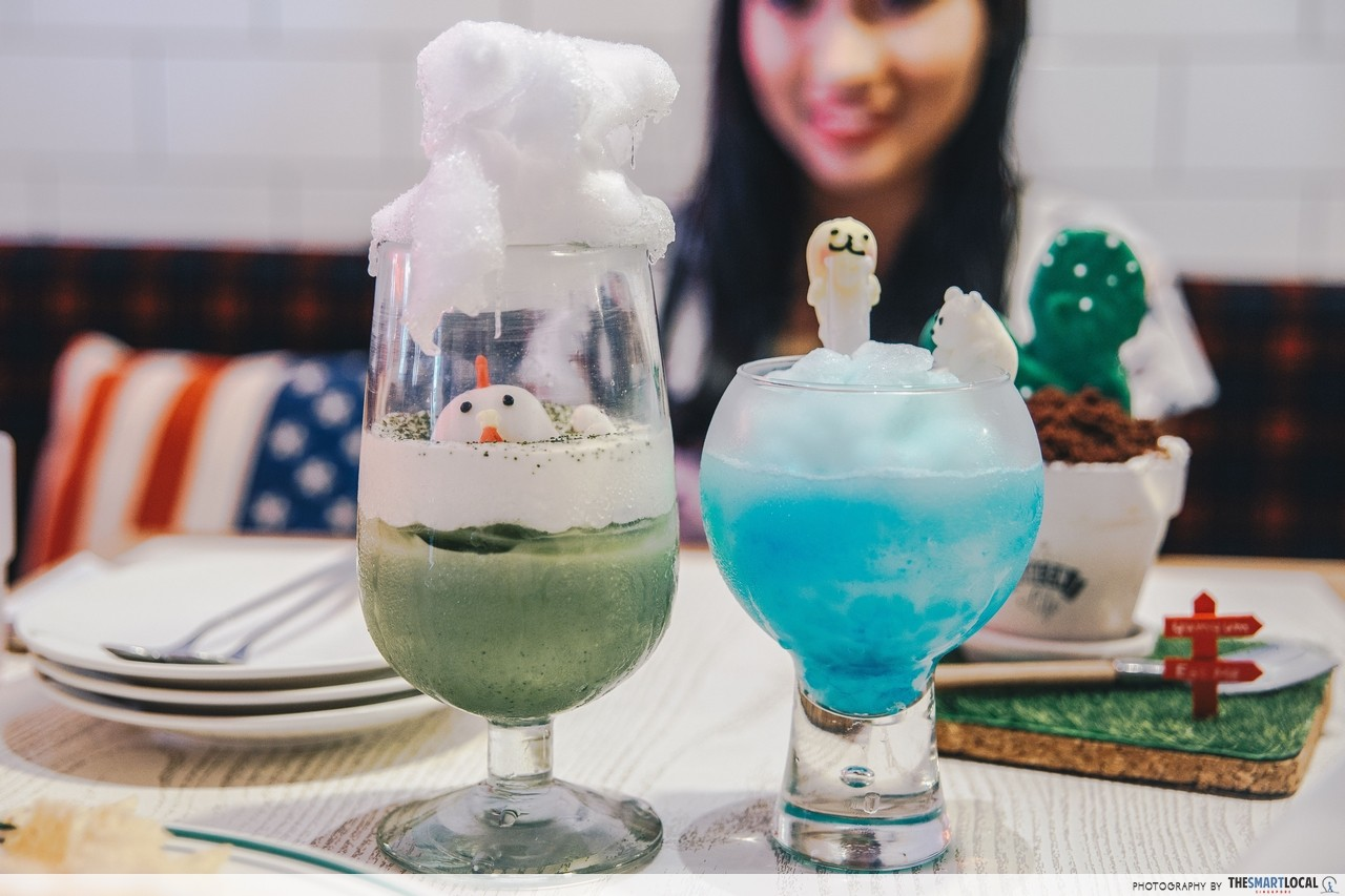 Rescue the Polar Bear and Green Tea with Milk and Marshmallow drinks Yum Yum Deli Taipei