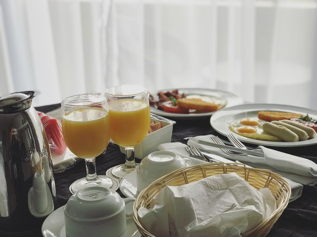 breakfast in bed concorde hotel singapore
