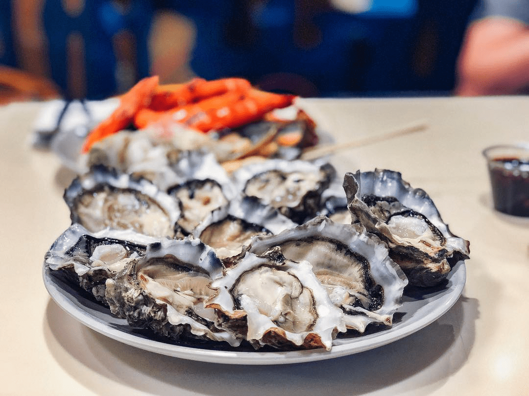 buffet town - free flow oysters