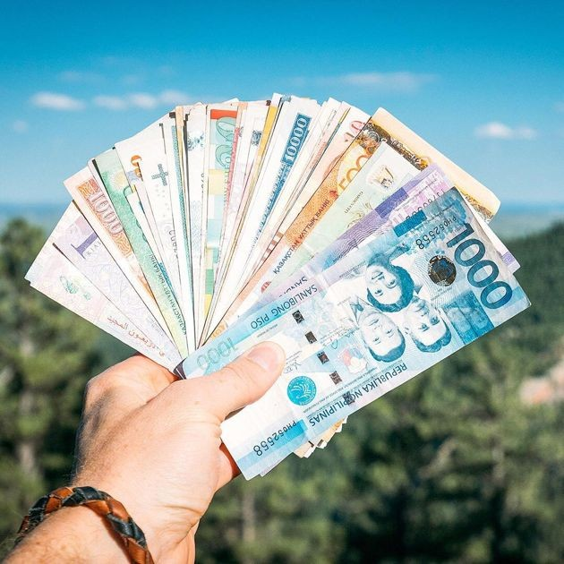 Travel budget tips around Europe - multi-currency card