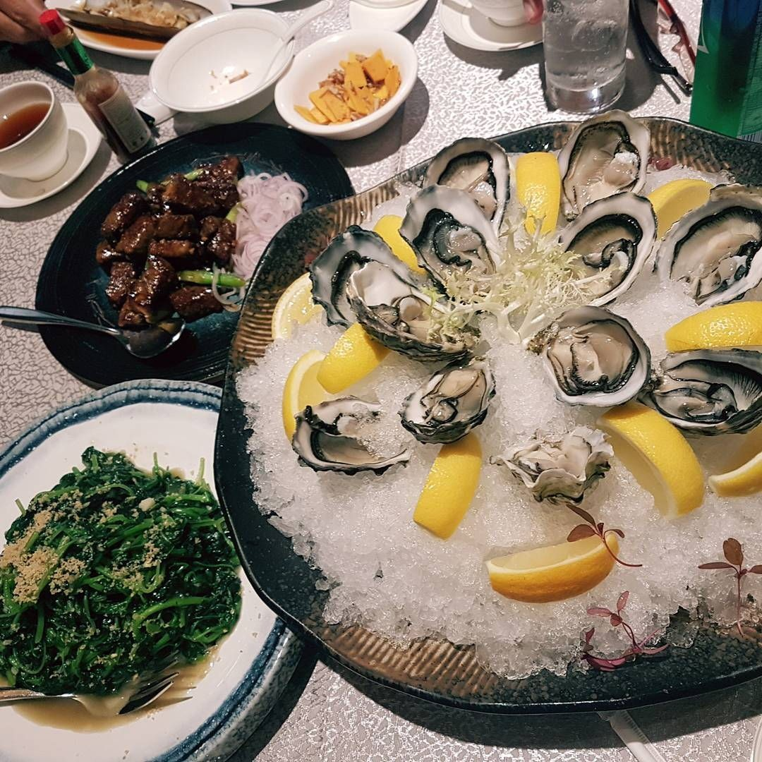 seafood paradise singapore $1.20 oysters