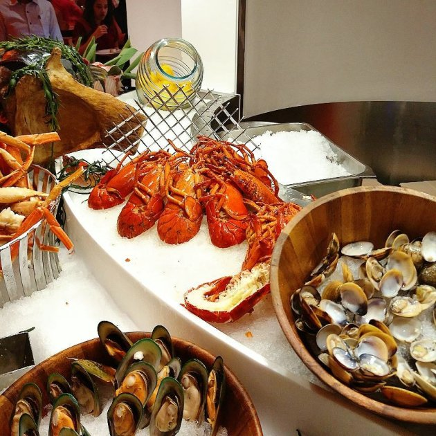 STB Business of Happiness - seafood buffet