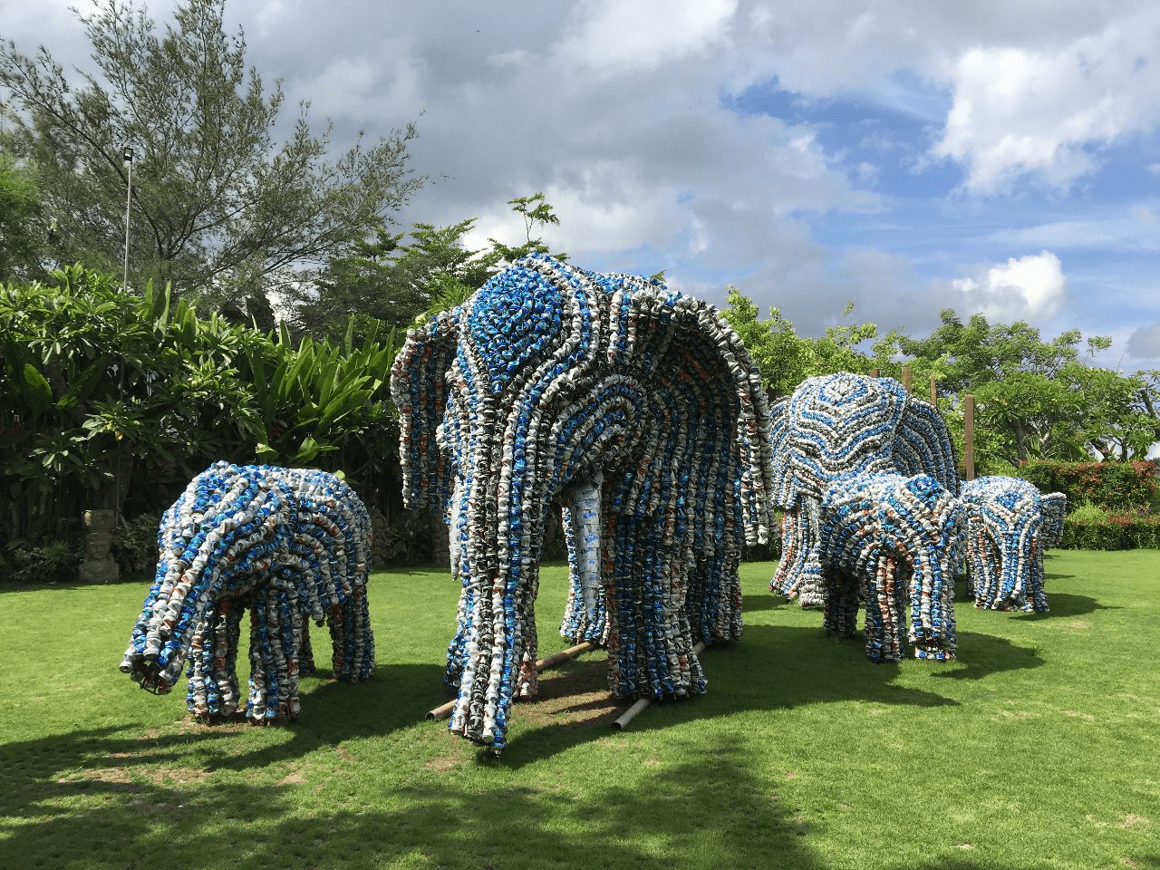 Bali - aluminium elephants