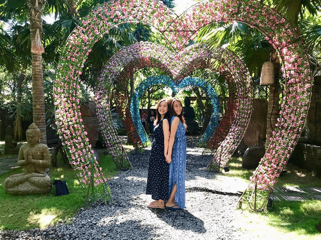 Bali - flower archways