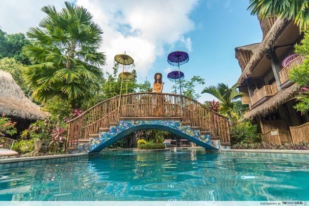 Bali - bridge and pool