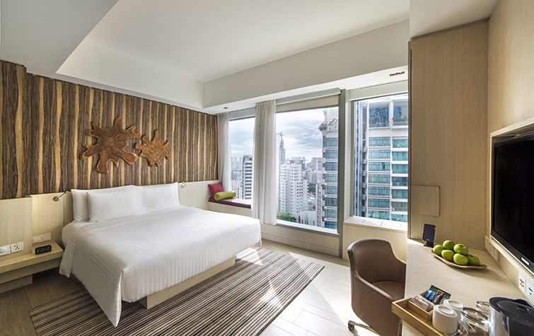 hotels with late checkout timings singapore