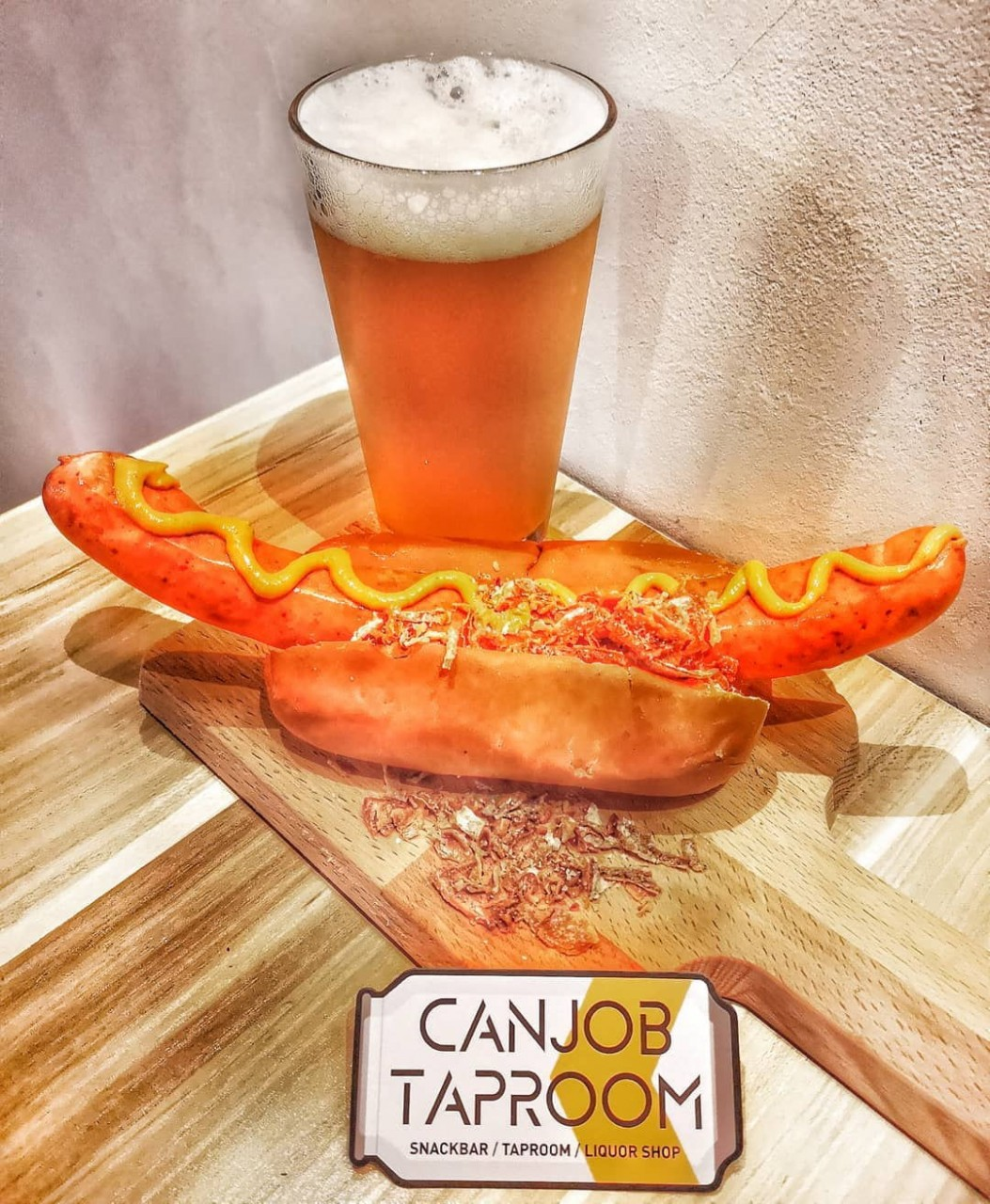canjob taproom hotdogs