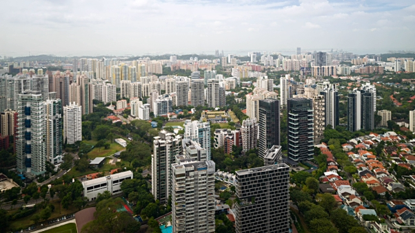 why buildings are white in singapore