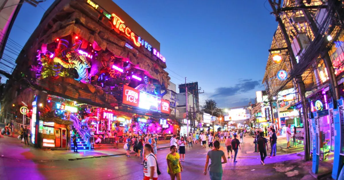 things to do in phuket nightlife bars