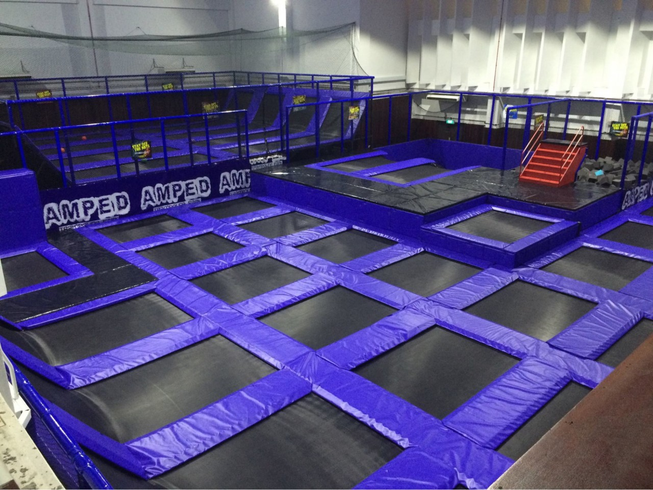 Trampoline park - Amped blue jump overview