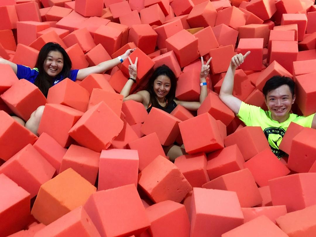 Trampoline park - Amped foam pits jump girls