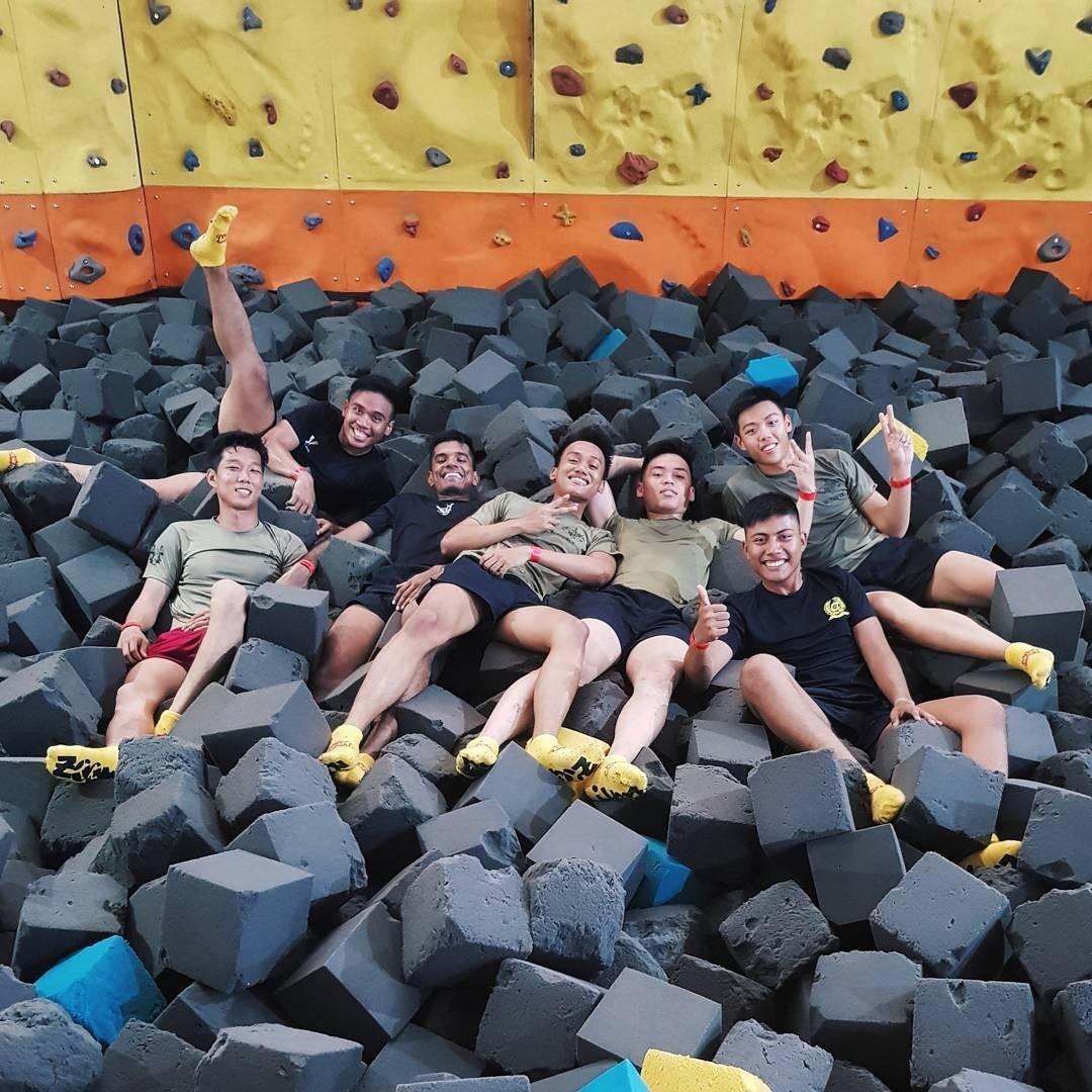 Trampoline park - zoom foam landing pit rock wall group