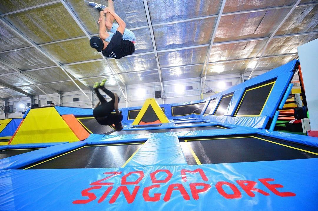 Trampoline park - zoom park somersault