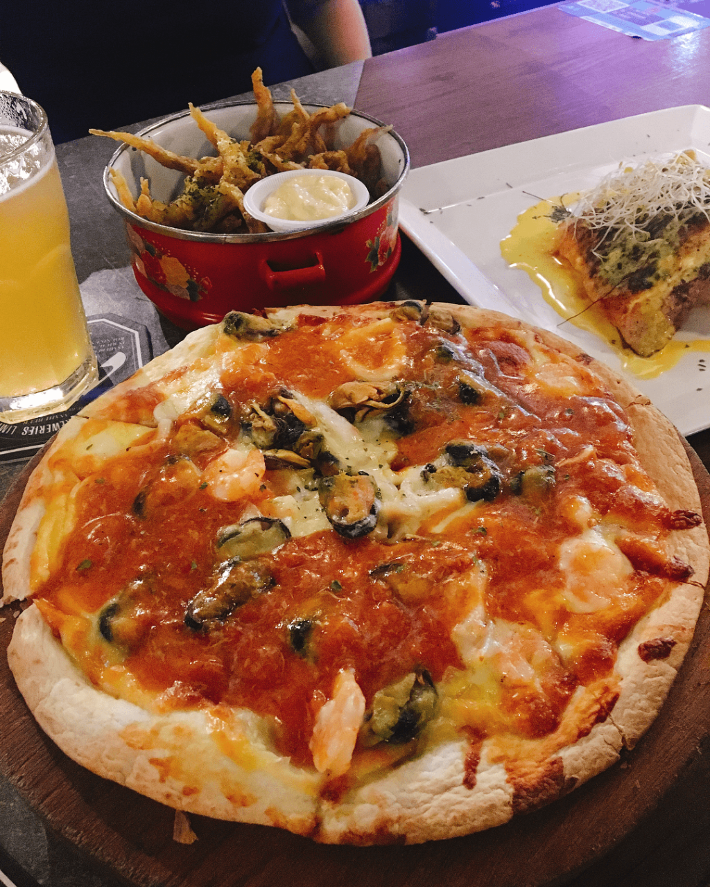 bar - seafood pizza