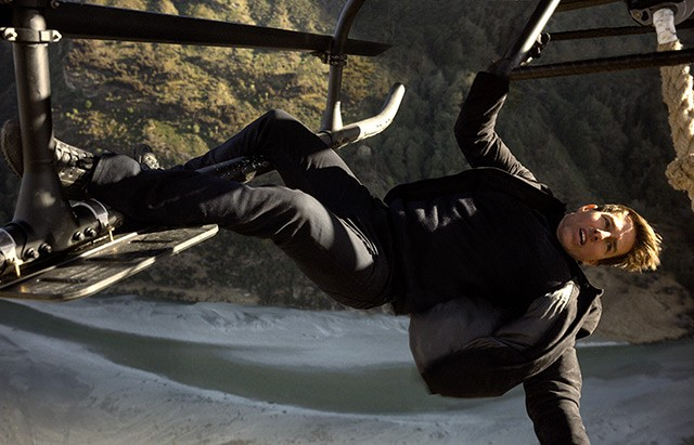 ethan hunt helicopter stunt