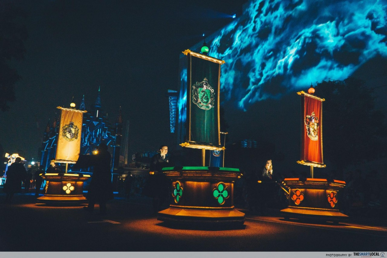 USJ - Universal Spectacle Night Parade The Best of Hollywood 4 hogwarts houses