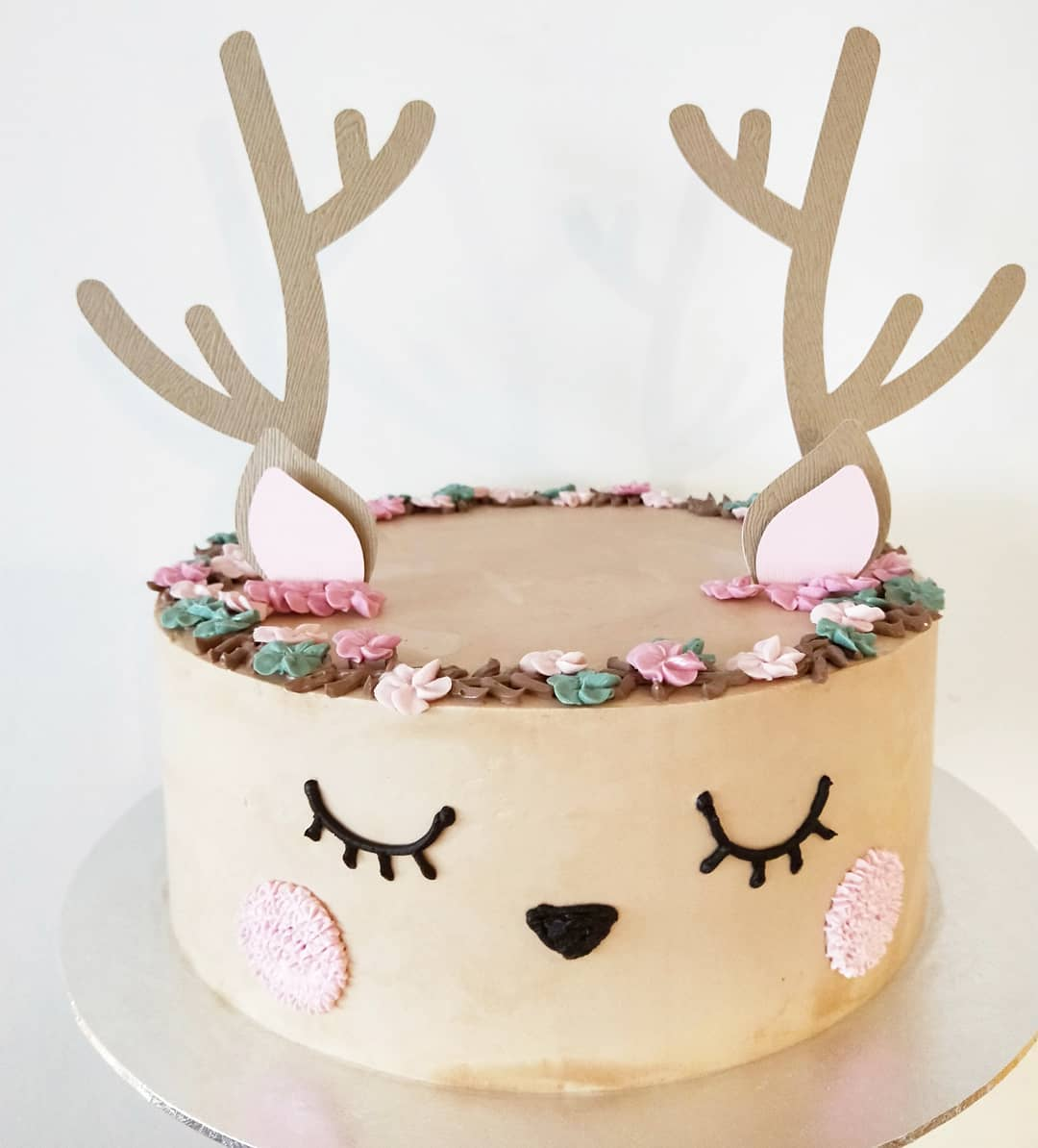 Ugly Cake Shop - customised cakes