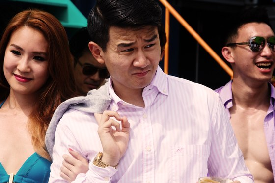 Crazy rich asians eddie cheng ronny chieng