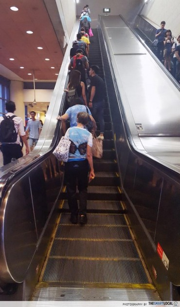 Things Singaporeans find annoying - wrong side of the escalator