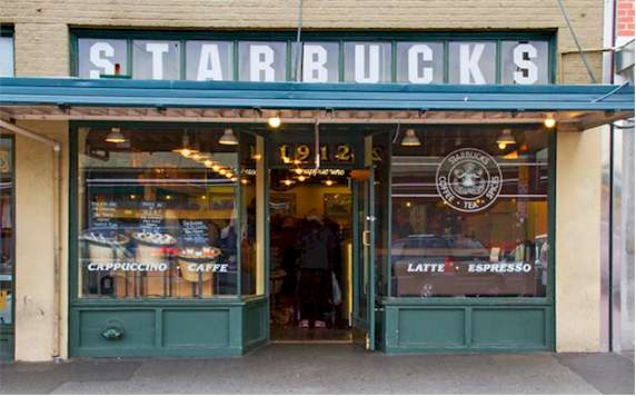 Seattle travel guide SIA - 1st pike starbucks