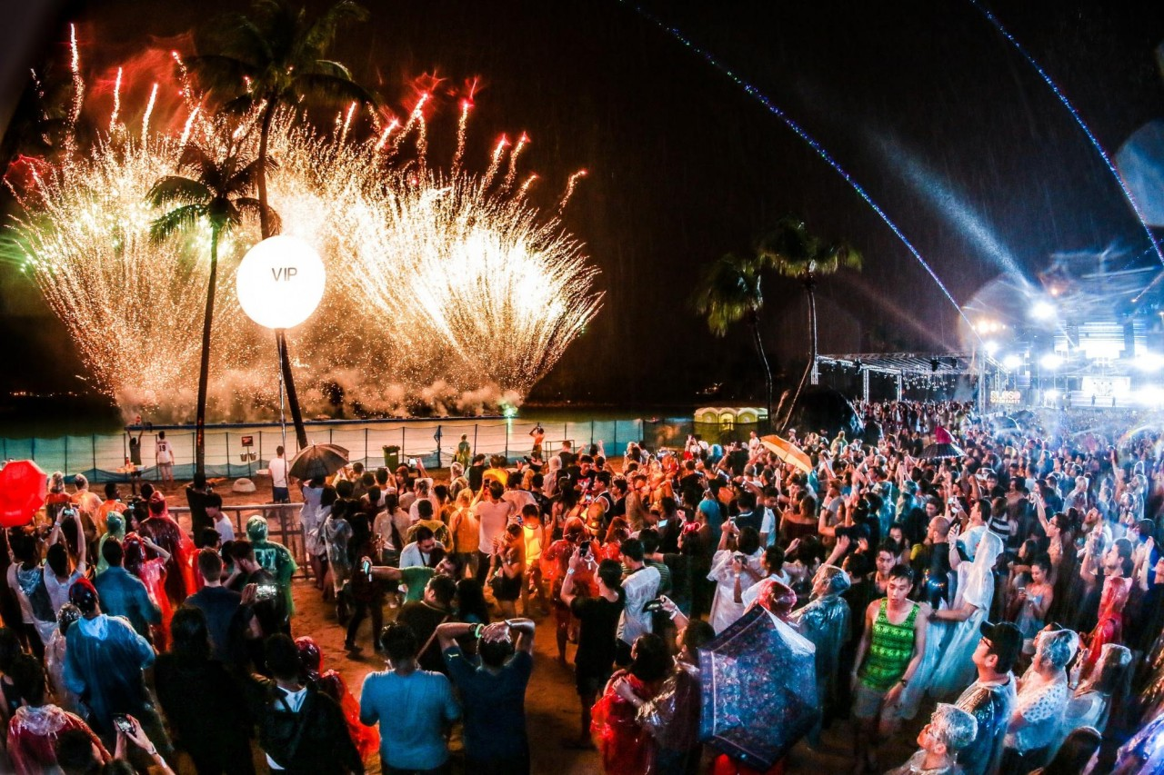 Sentosa Siloso Beach Party - New Year's Eve Countdown