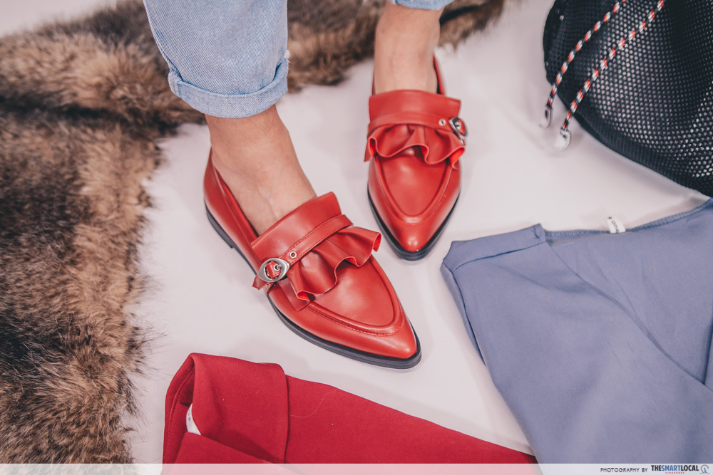 ruffle detail loafers