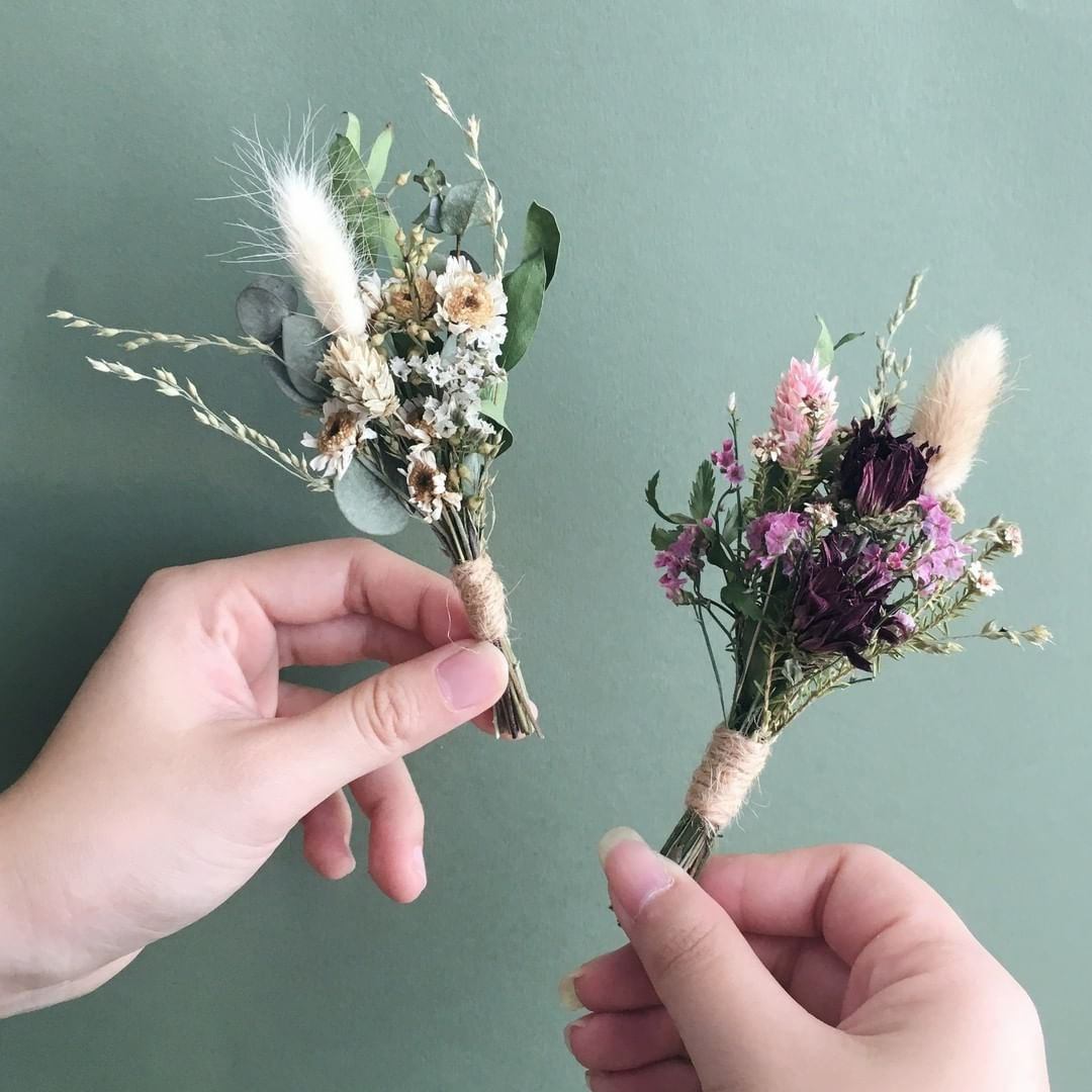 dried mini bouquets