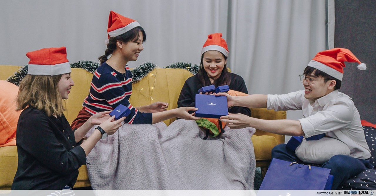 8 Party Games To Play During Christmas Gatherings To Prevent Any ...