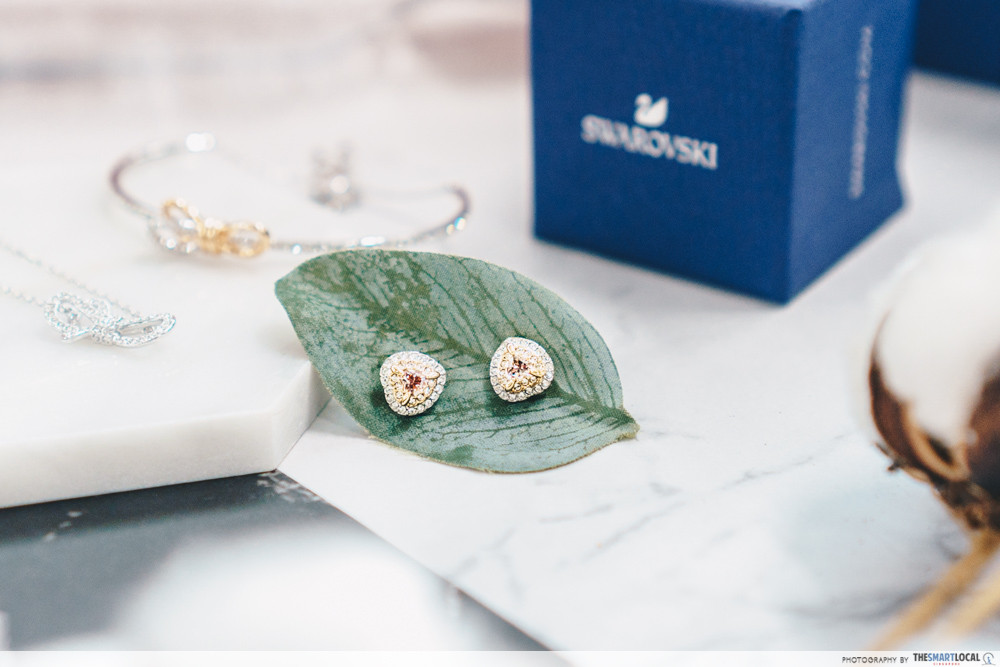 Swarovski - One stud pierced earrings