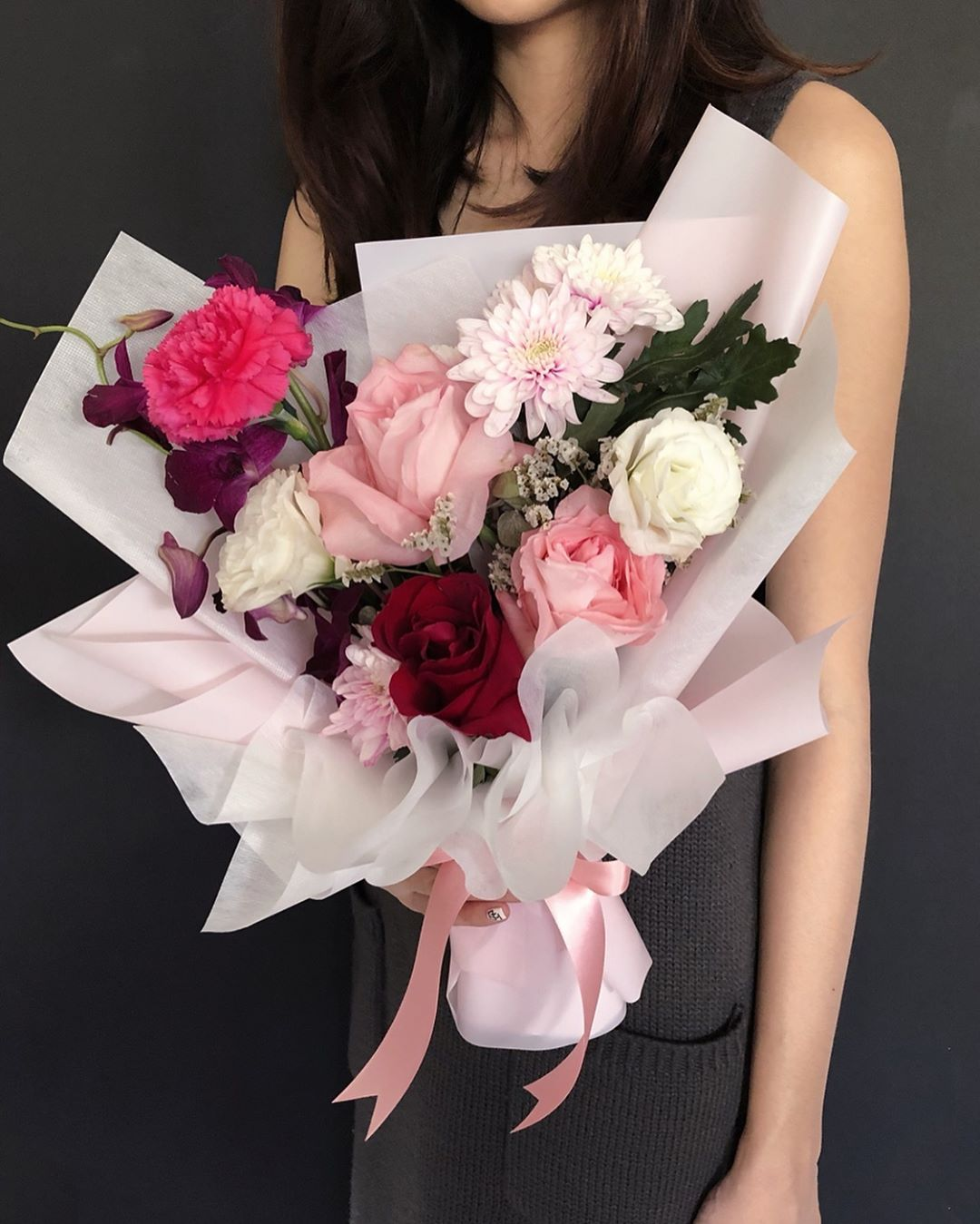 Valentine's Day bouquets under $50 - Fresh roses bouquet