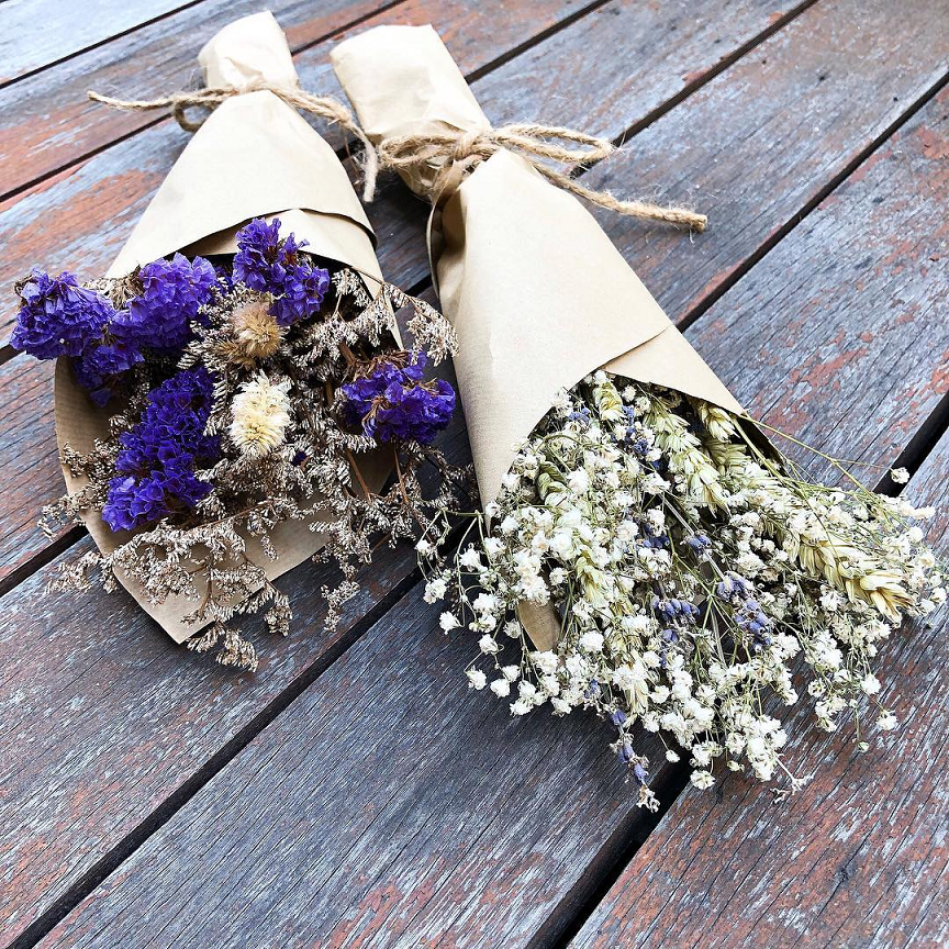 Valentine's Day bouquets under $50 - Dried bouquets